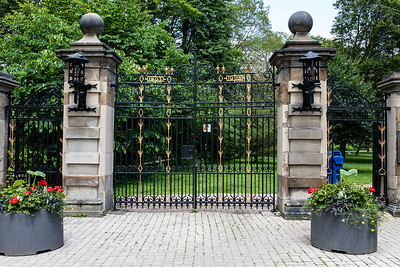 Gates Of Craigleigh Gardens