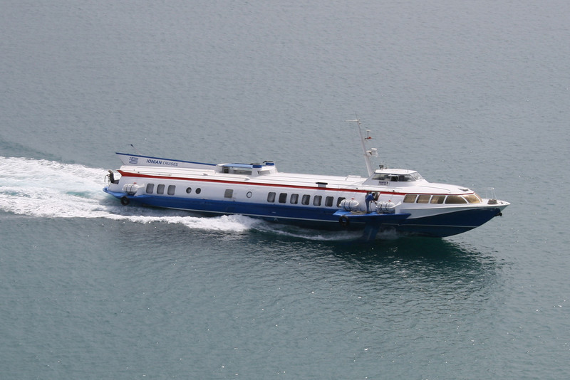 2008 - H/F SANTA II arriving to Corfu.
