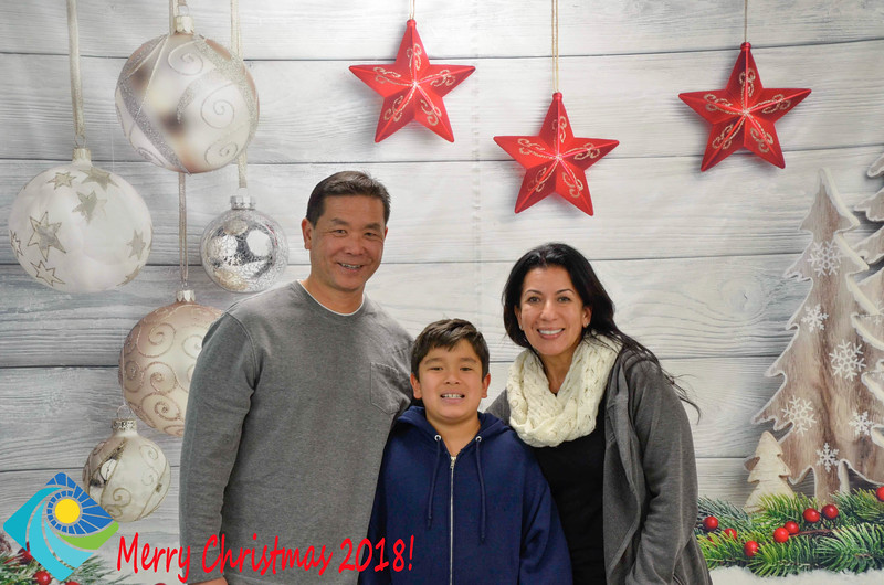 Christmas Photobooth 2018-025_01.jpg