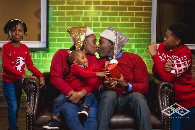 Johnson Family Christmas 2019-06522.jpg