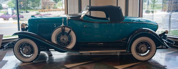 Auburn Model 8-100