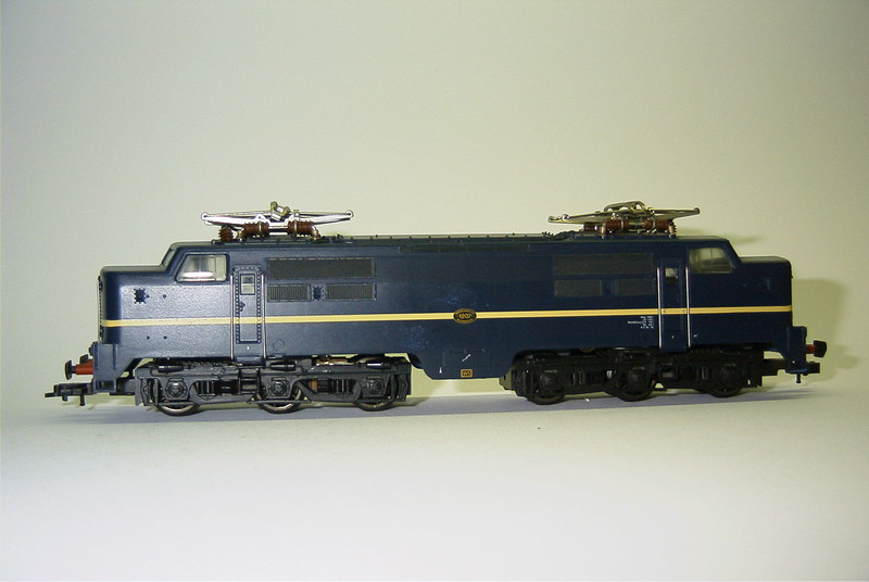 FL 904372 ns 1207 blauw zij.JPG