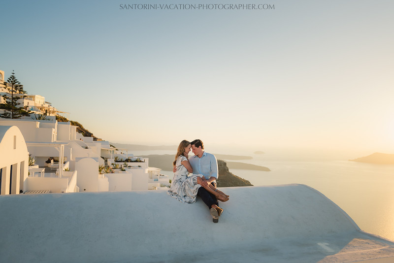 santorini-sunset-photo-session-couples-shoot--7.jpg