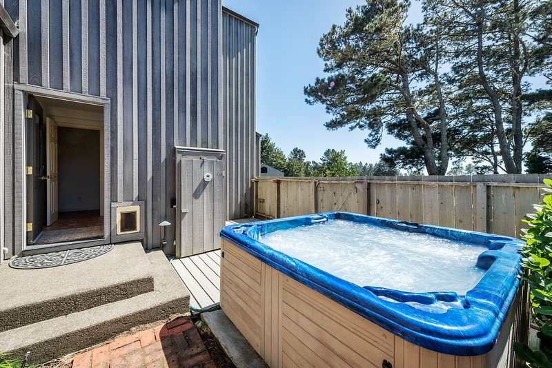 Hot Tub in Courtyard