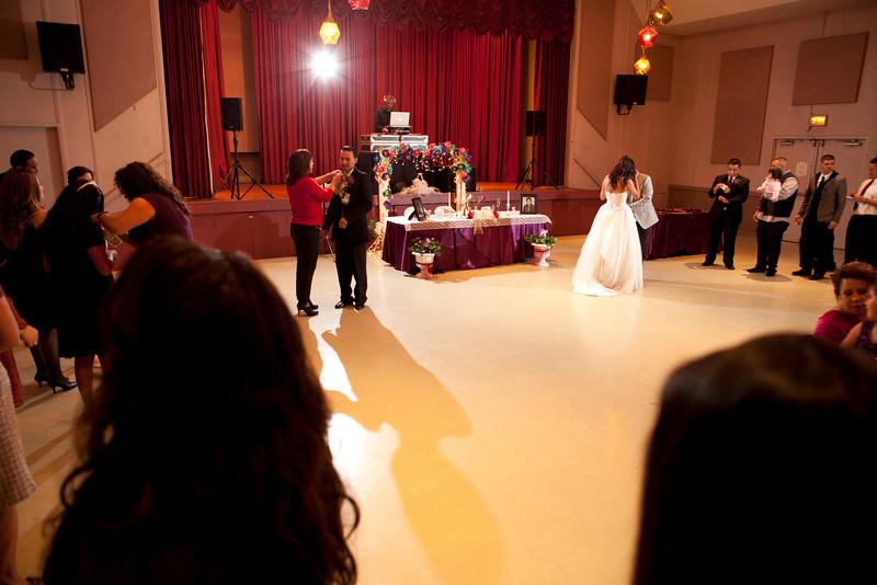2011-11-11-Servante-Wedding-522.JPG