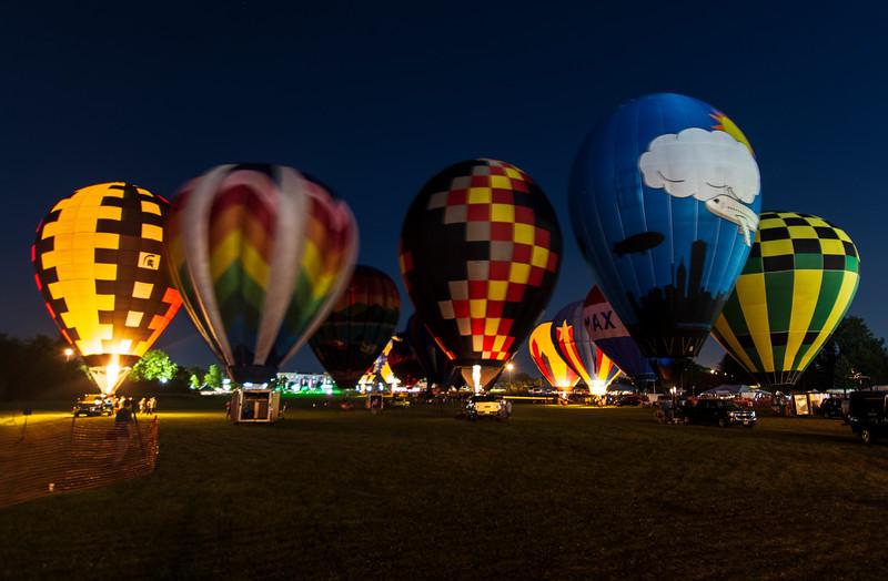 Balloon-Glow-HOF2019b.jpg