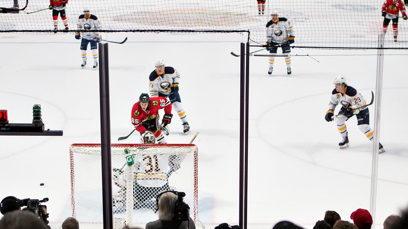 Shot misses wide-right.  Marian Hossa centers a pass to a streaking Andrew Shaw - five of five.