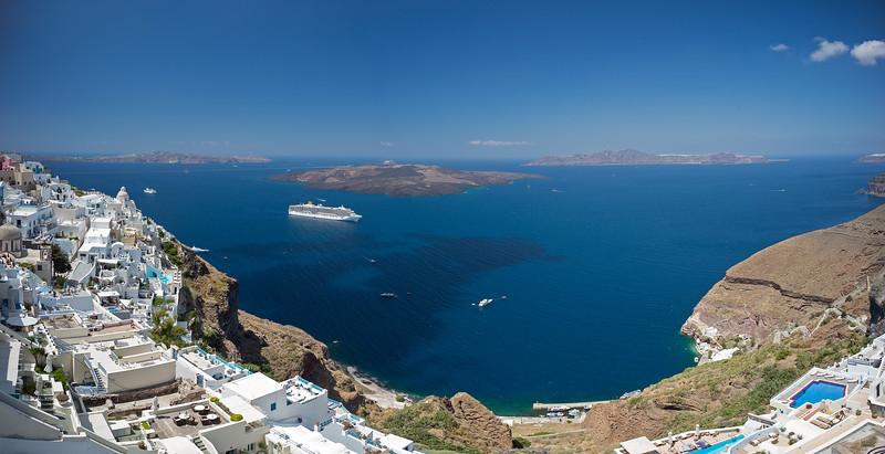 Santorini spherical panorama.jpg
