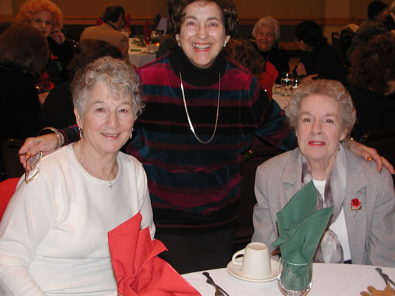 2002-12-12-Philoptochos-Senior-Citizens-Luncheon_006.jpg
