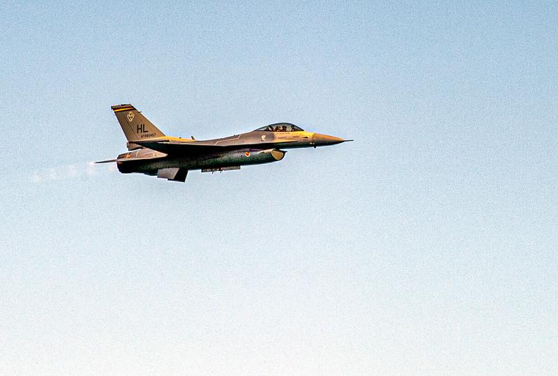 jet fighter-2.jpg