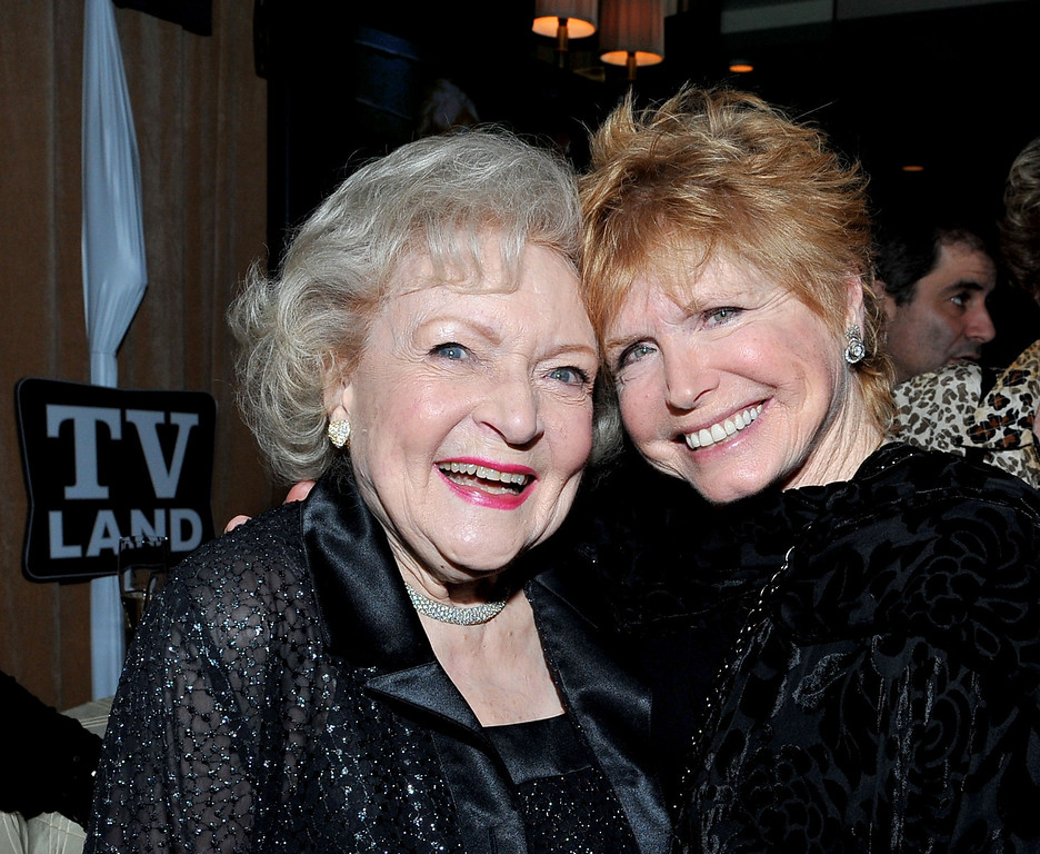 ". WEST HOLLYWOOD, CA - JANUARY 10: (L-R) Actresses Betty White and Bonnie Franklin attend the ""Hot in Cleveland and Retired at 35 Premiere Party\"" at the Sunset Tower Hotel on January 10, 2011 in West Hollywood, California. (Photo by Mark Davis/PictureGroup) via AP IMAGES"