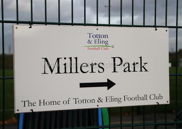 Totton & Eling 3 Lymington Town 1 - Wessex League - 26/11/11