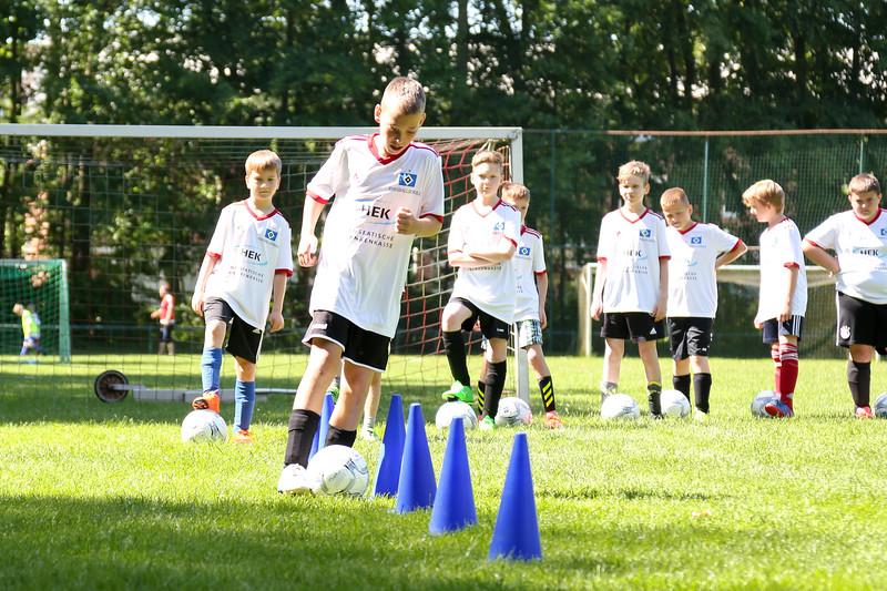 hsv_fussballschule-262_48047993808_o.jpg