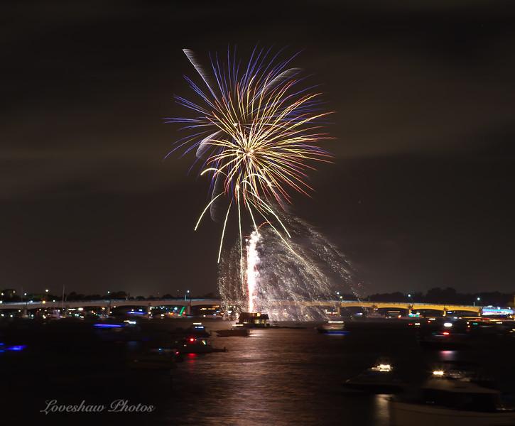 FireworksNYE2010.jpg