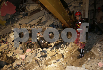 ecuador-searches-for-quake-survivors-as-death-toll-rises-to-at-least-235