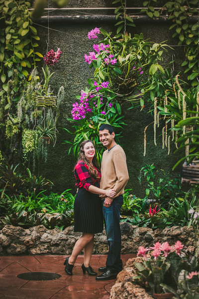 Lincoln-Park-Conservatory-Engagement-Session.jpg
