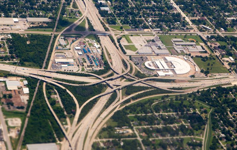 I-59 dramatically crosses I-610 North.