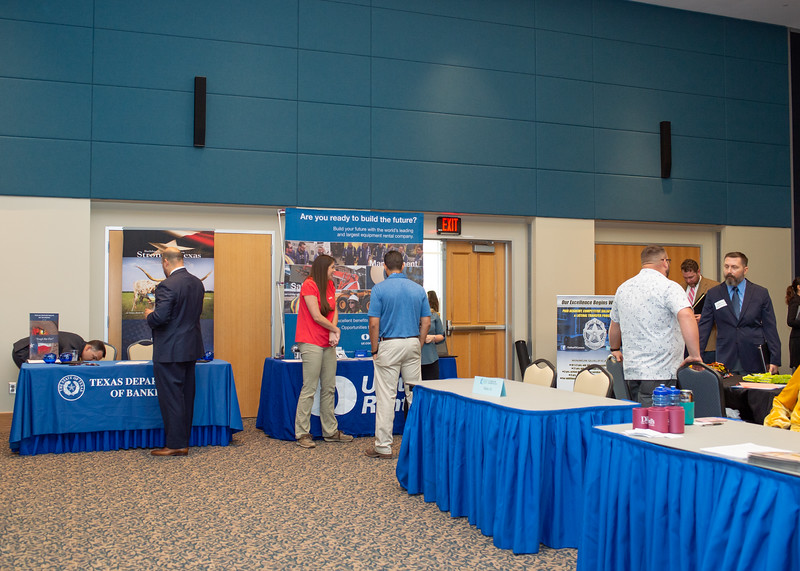 2018_1003_Business&LiberalArtsCareerExpo_LW-0144.jpg