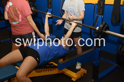 17-12-14_Girls Weightlifting Candids