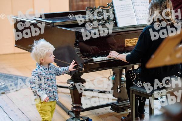 © Bach to Baby 2017_Alejandro Tamagno_Highgate_2017-11-06 031.jpg