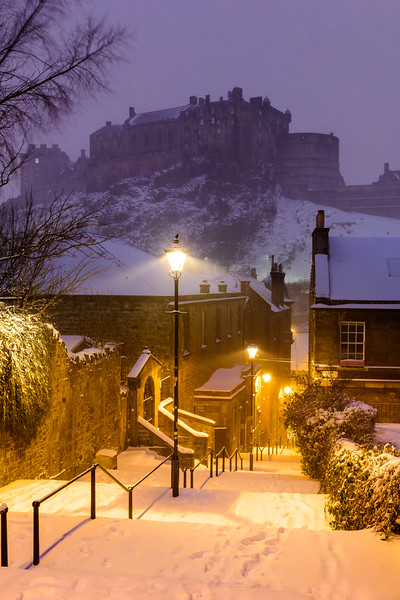 Snowy Night Vennel