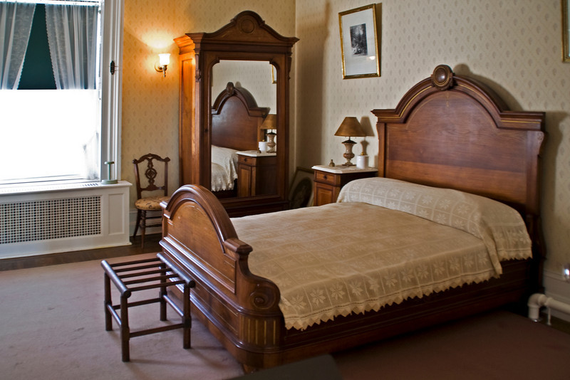 Franklin's Bedroom A.jpg