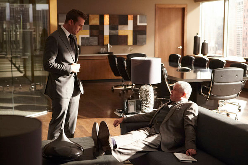 """. \""""The Arrangement\"""" Episode 301 -- Pictured: (l-r) Gabriel Macht as Harvey Specter, Conleth Hill as Edward Darby -- (Photo by: Ian Watson/USA Network)"""