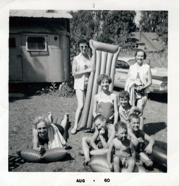 1960 Viv and Guyla; Grandma Mudge, Brenda and .jpeg
