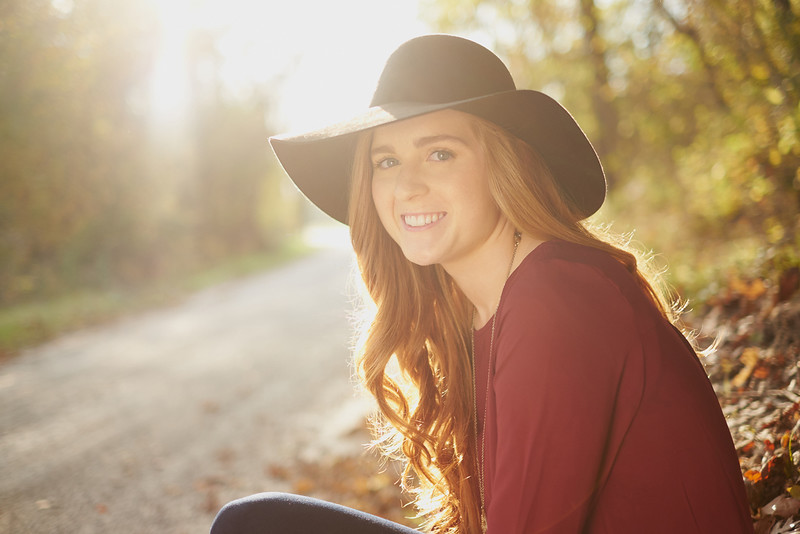 Jefferson_City_MO_Helias_High_School_Senior_Portrait_Photographer_Outdoor-26.jpg