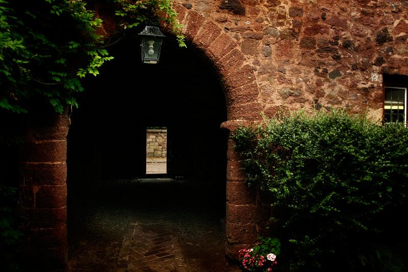 doorway-to-somewhere_2317014914_o.jpg
