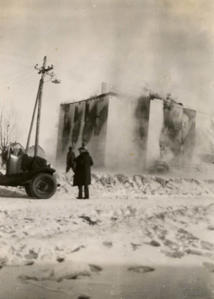 JB018.  School‡ burning - Feb 1932.jpg