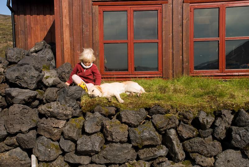 Heimasætan með hundinn