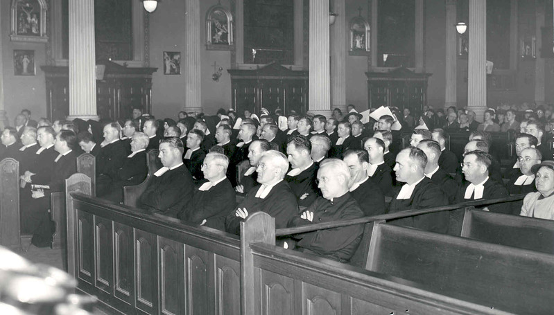1948 Jubilee Mass in Cathedral.jpg