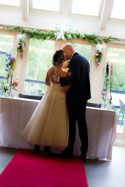 Sam_and_Louisa_wedding_great_hallingbury_manor_hotel_ben_savell_photography-0083.jpg