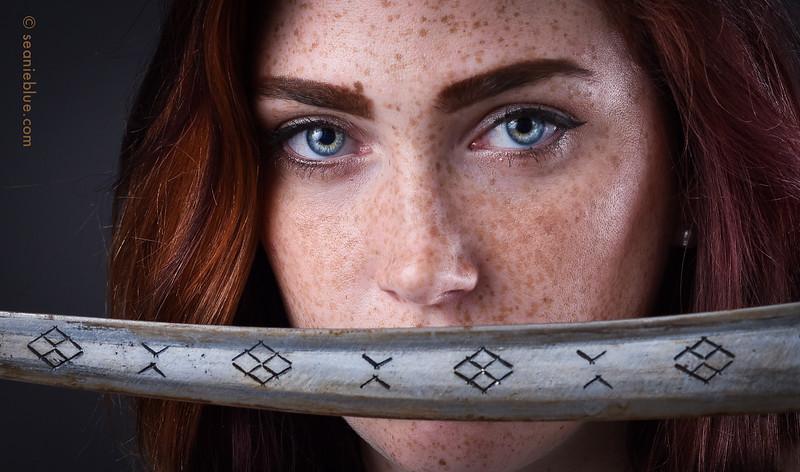 Yvonne Meknes sword 2000 80-6053.jpg