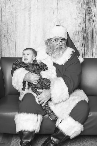 Ameriprise-Santa-Visit-181202-4919-BW.jpg