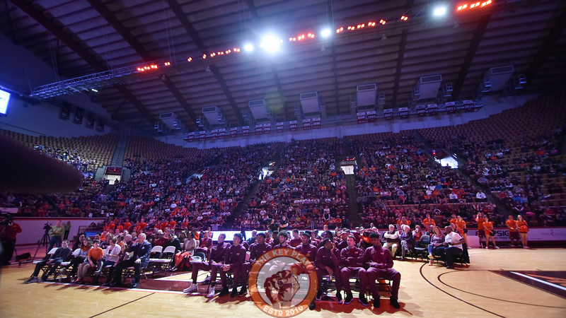 The 2000+ fans inside Cassell Coliseum fall silent as the selection show begins. (Michael Shroyer/TheKeyPlay.com)