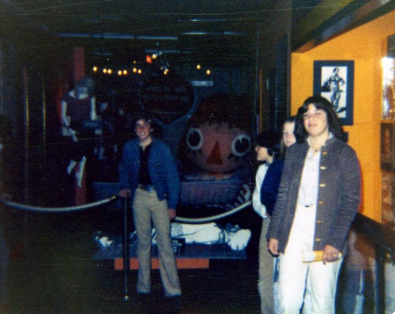 1980 06 - 7th Grade School trip 002.jpg