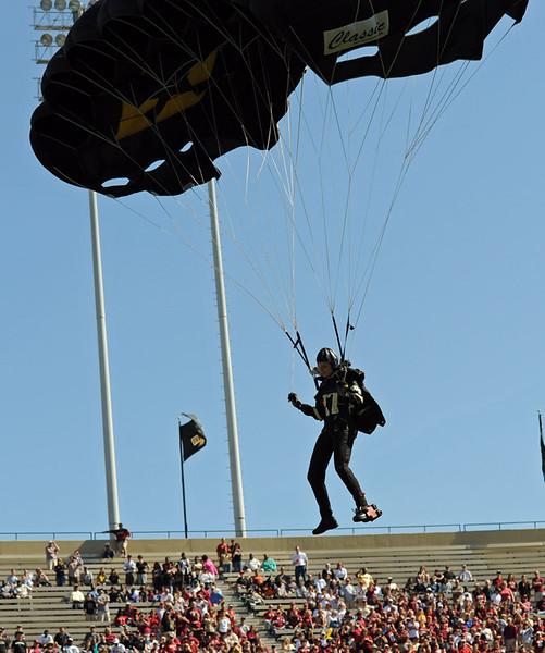 Ranger veteran parachute team 03.jpg