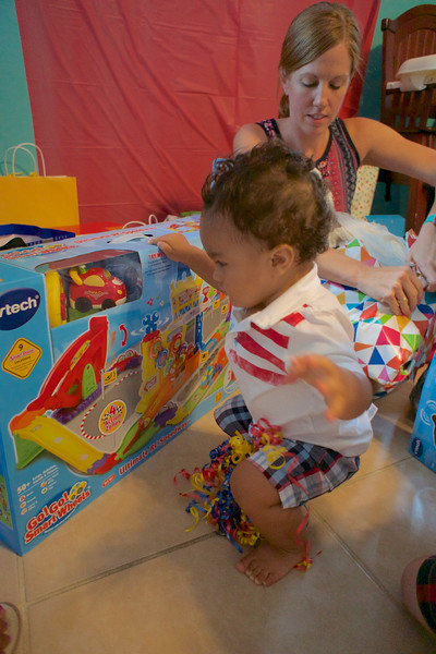 LINCOLN 1st BIRTHDAY PARTY_ 193.jpg