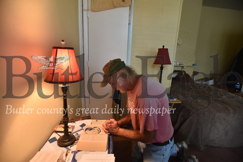 39032 Dave Hovis, who formerly slept in Memorial Park now has a small apartment in butler