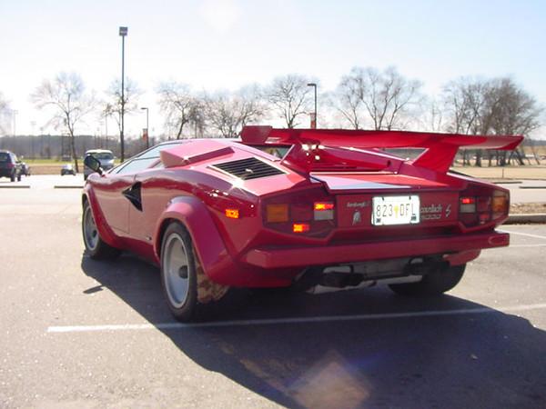 87-Lamborghini-from-back.jpg