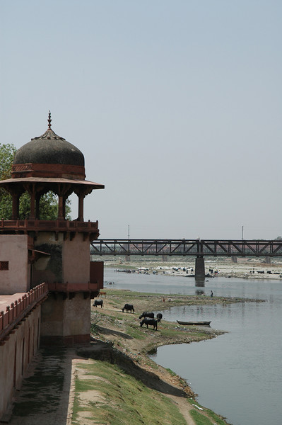Agra: Bridge over a river behind the Tomb of Itmad-ud-Daulah.