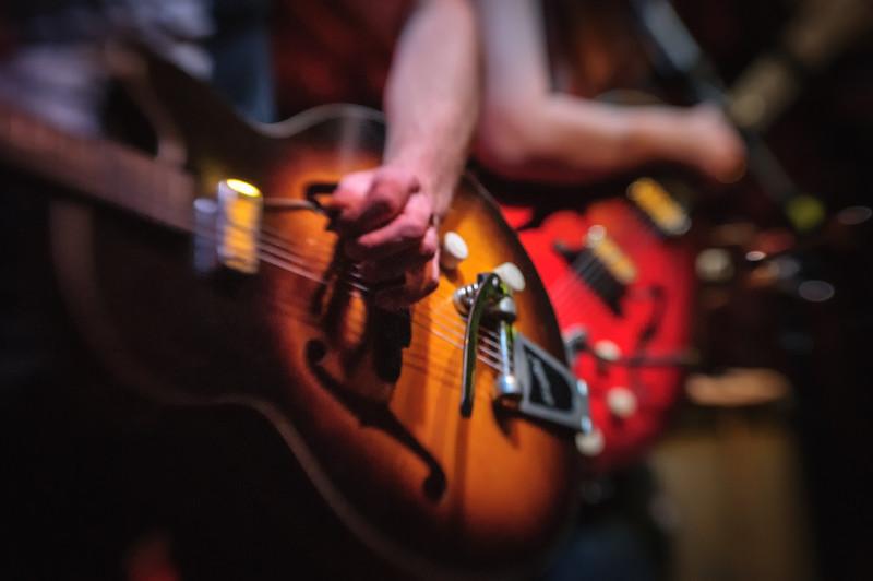 Twilight Hotel Guitars, 12 Bar Club