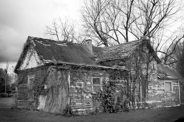 abandonded houses in the Ozarks