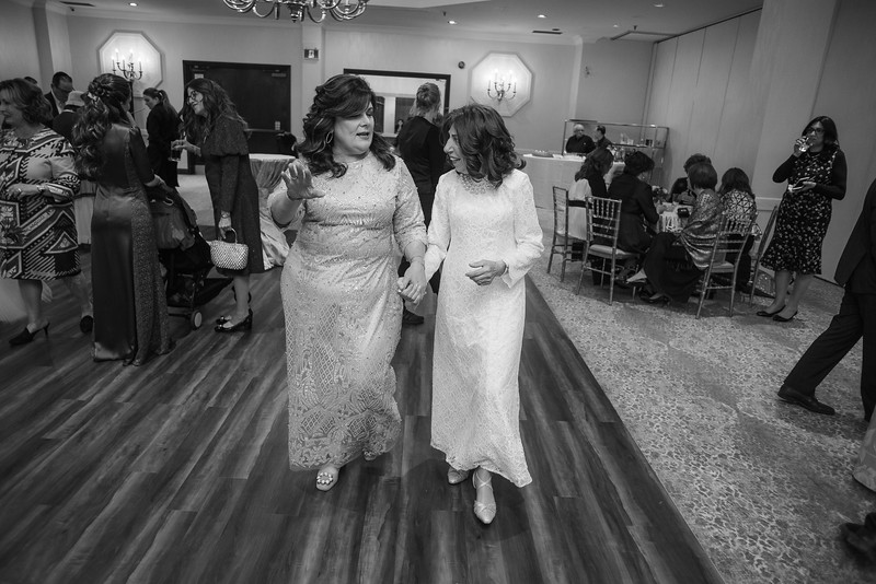 Miri_Chayim_Wedding_BW-450.jpg
