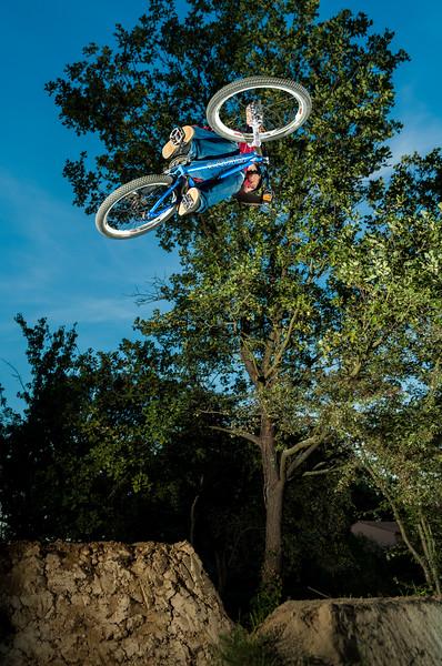 Peynier Dirt Jumping