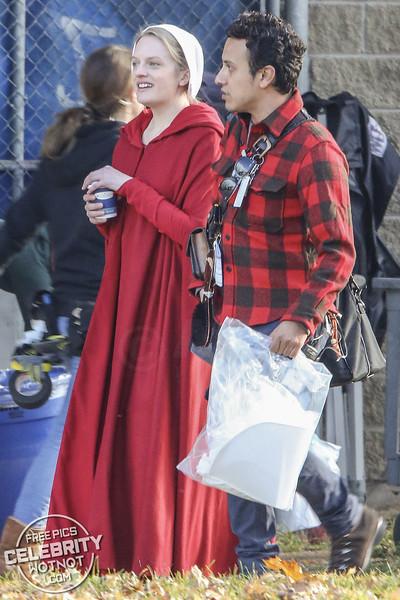 EXC: Under His Eye! Offred AKA Elisabeth Moss On Coffee Break Filming A Handmaid's Tale