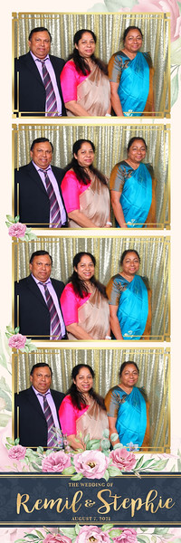 Alsolutely Fabulous Photo Booth 022302.jpg