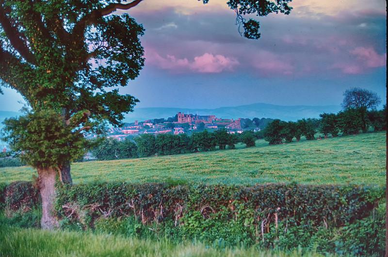 700527 Castle in Denbigh Wales 8-33.jpg
